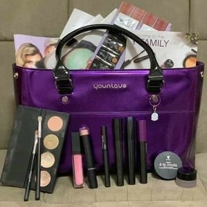 Younique Make up Kit